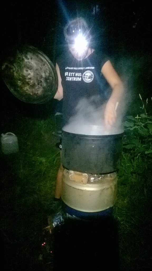 The rocket stove at work